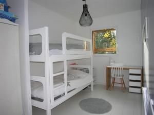olivier olindo architecte architect architecture enghien les bains maison bois structure chambre enfants enfant lit superposé parquet fenêtre végétation