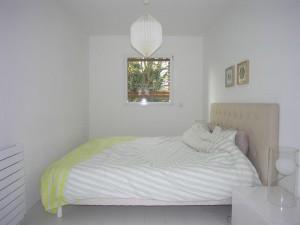 olivier olindo architecte architect architecture enghien les bains maison bois structure chambre parent lit fenêtre luminaire