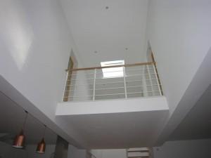 olivier olindo architecte architect architecture enghien les bains maison bois structure double hauteur espace salon séjour mur peinture blanc garde corps