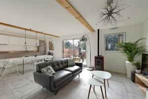 olivier olindo architecte architect architecture enghien les bains maisons bois structure séjour salon cuisine ouverte poil à granule luminaire poutre